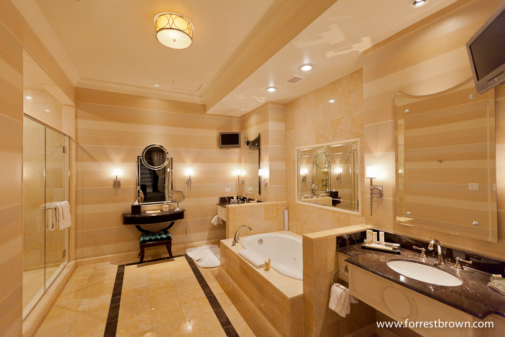 En Suite Bathrooms At The Cancun Resort In Las Vegas: Penthouse At The Palazzo